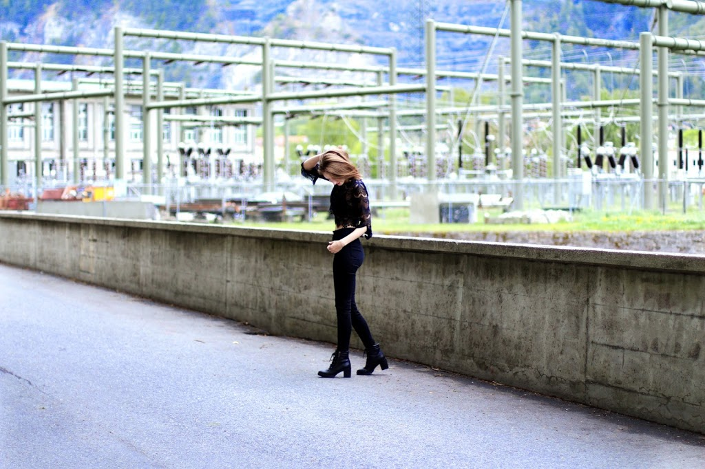 zaful lace crop top coachella fashion blogger festival summer spring trend